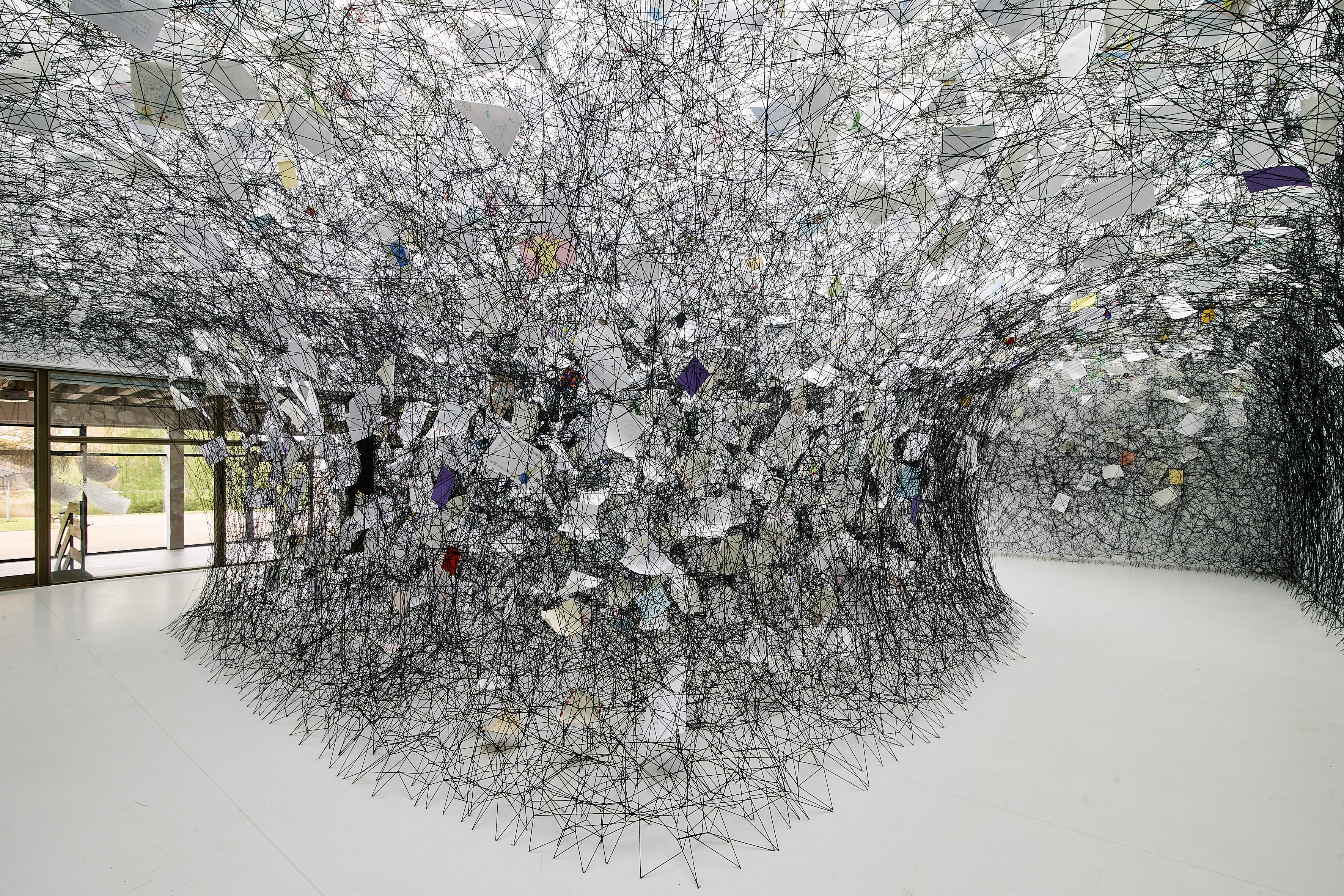 Chiharu Shiota, Letters of Thanks, 2017  (Installation Kunsthalle, Foto: T. Häntzschel)