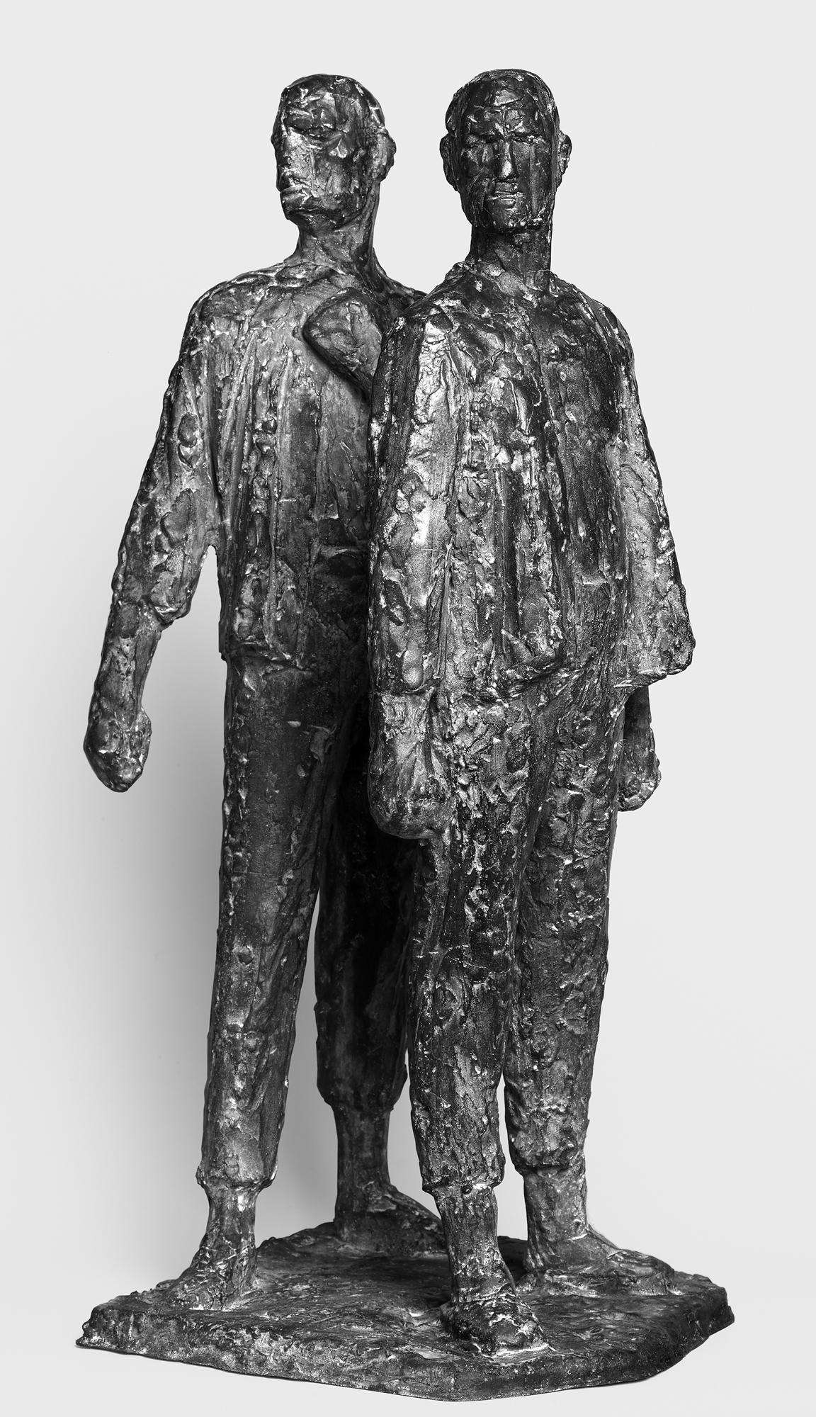 Fritz Cremer Zwei-Figuren-Gruppe III (aus: Erster Entwurf zum Buchenwald Denkmal) 1952 Bronze 56,5 cm hoch Nachlass Fritz Cremer, Berlin © VG Bild-Kunst, Bonn 2018 Foto: Galerie Schwind Leipzig