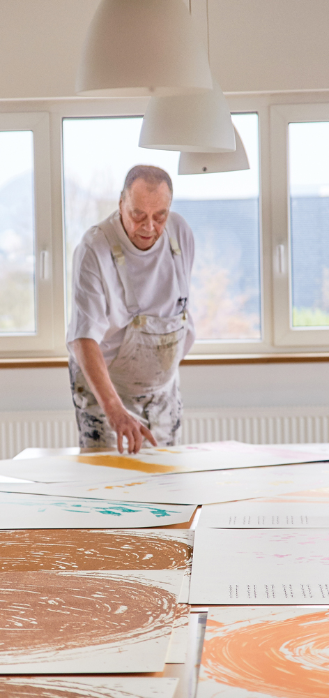 Günther Uecker in der Werkstatt von Sebastian Wendel, Graffiti Siebdruck, Reutlingen Foto: Graffiti Siebdruck, Reutlingen